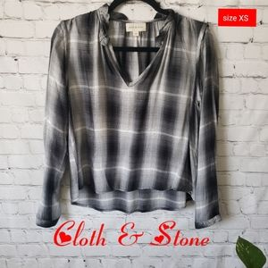 Anthro Cloth & Stones Black/White/Gray Top size XS